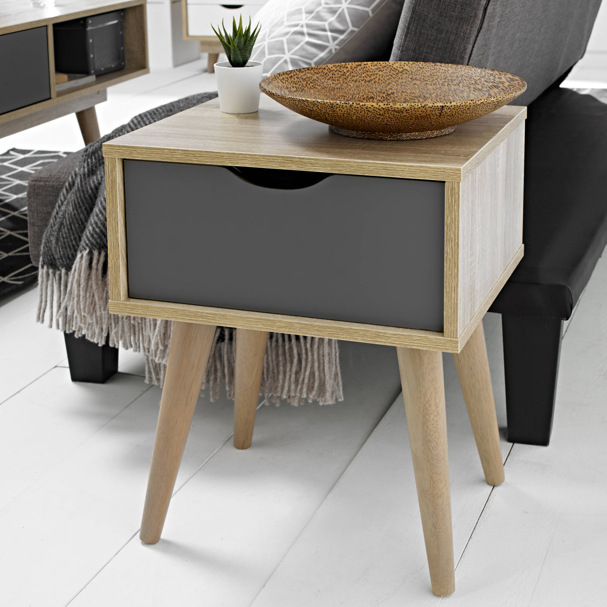 Svalbard Lamp Table in Grey - Ezzo