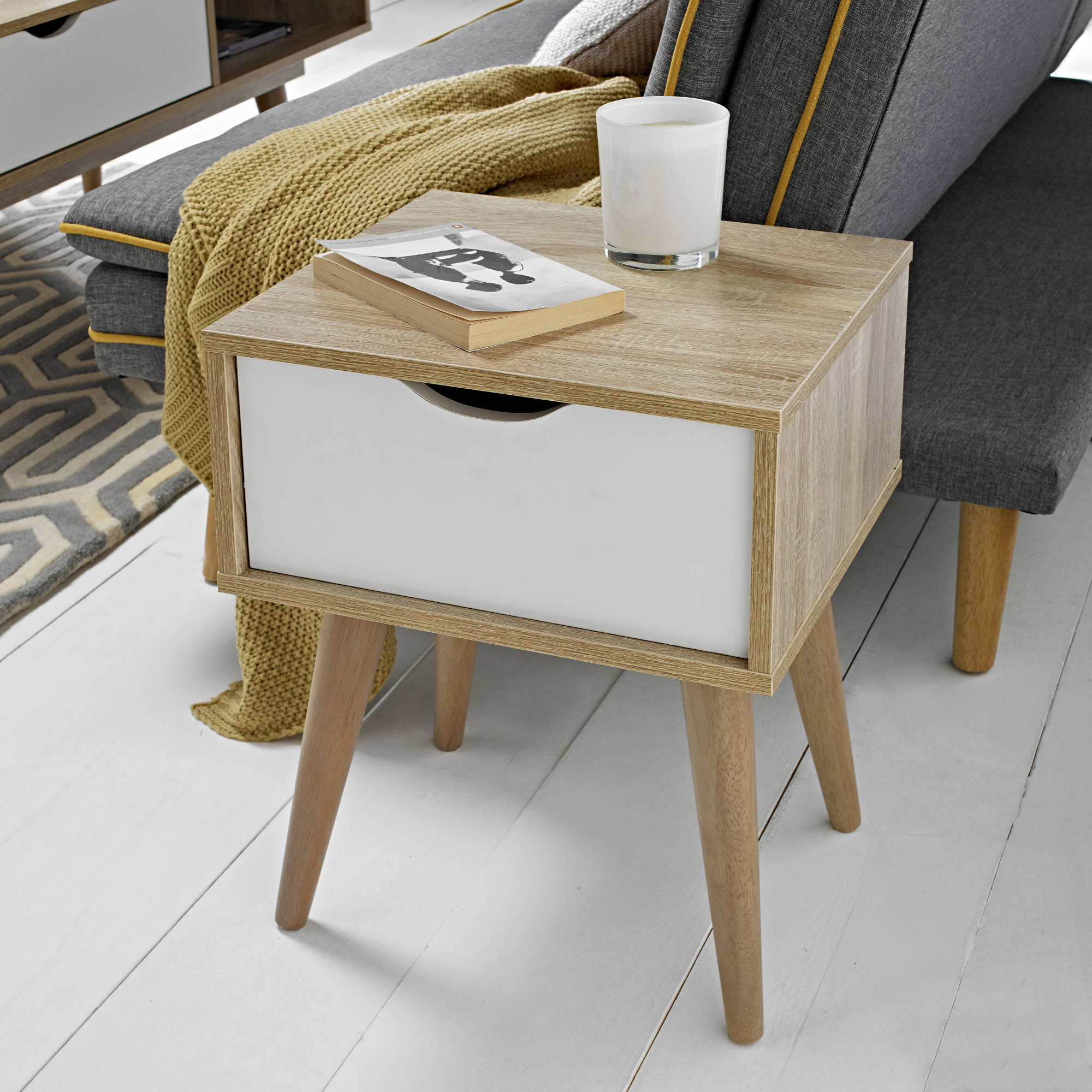 Svalbard Lamp Table in White