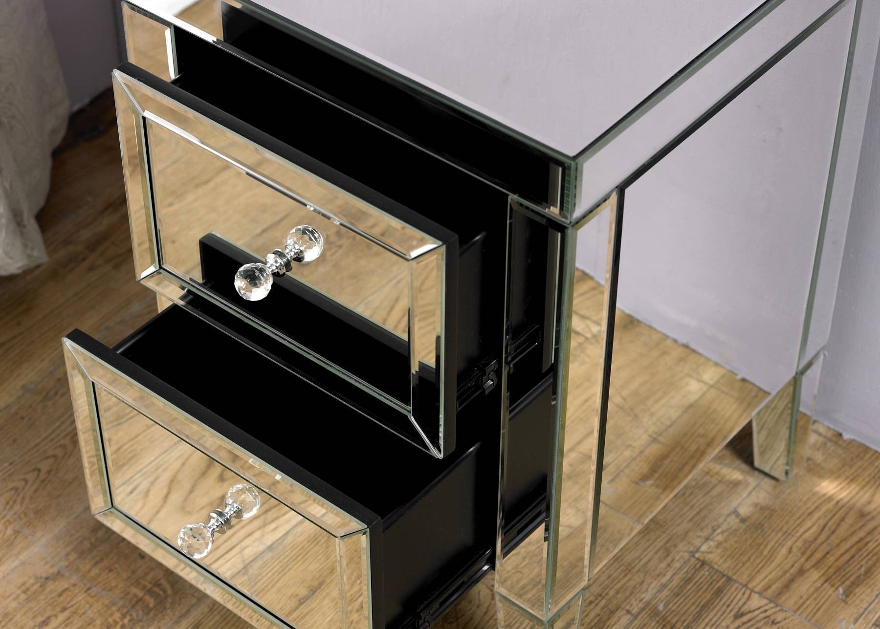 Turia 3 Drawer Bedside Table - Ezzo