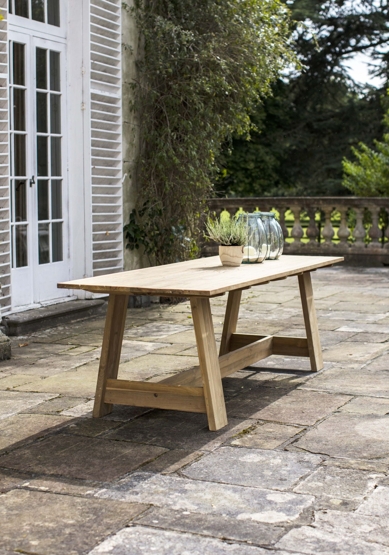 Winterbourne Table - Ezzo