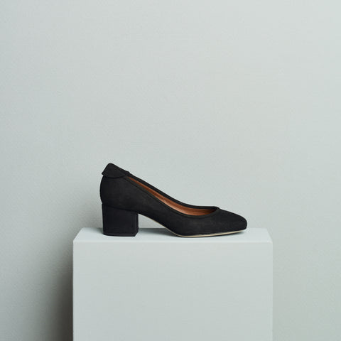 BLOCK HEEL PUMP - BLACK