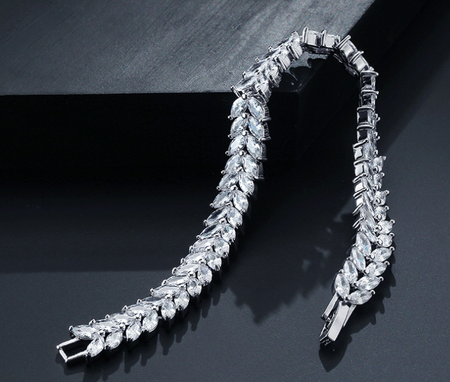 HIGH QUALITY RHODIUM PLATED ZIRCON LUXURY BRACELET