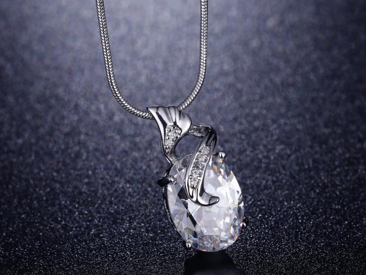 PLATINUM PLATED ZIRCON PENDANT CHAIN NECKLACE