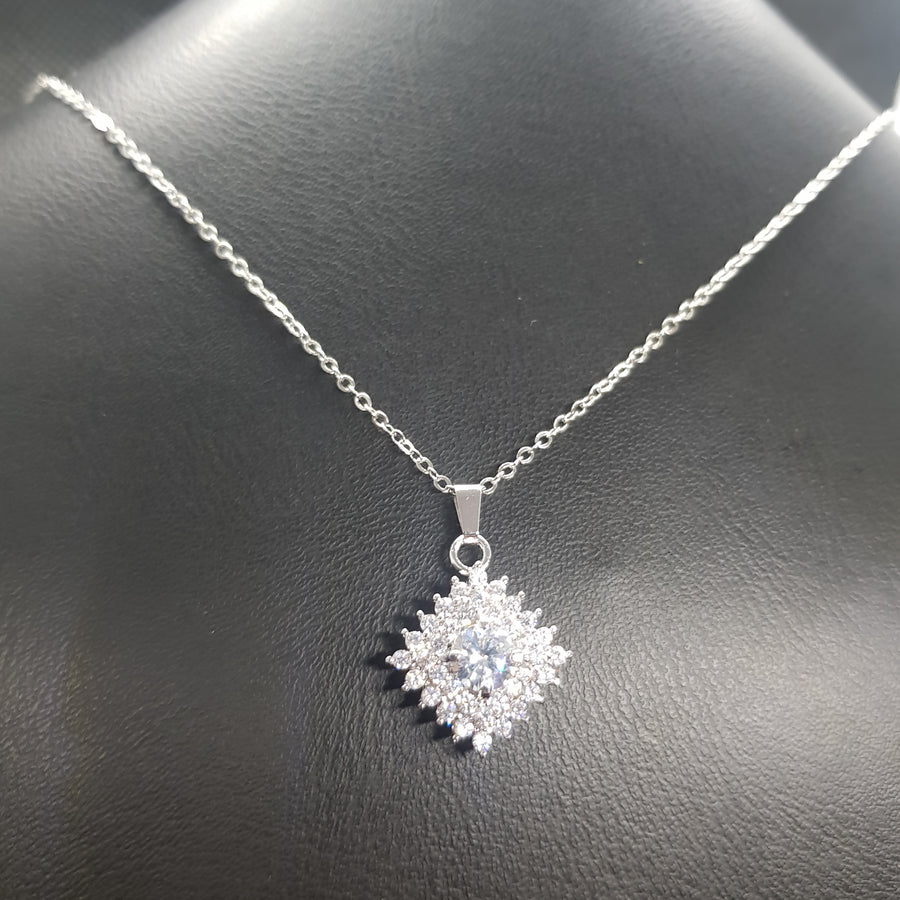 high quality rhodium plated zircon chain necklace!