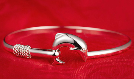 high quality bangle adjustable can fit any!