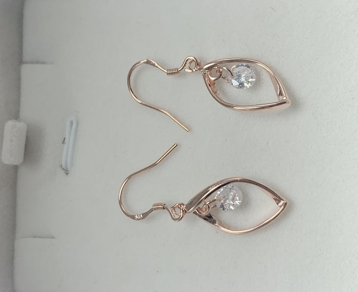 18k very high quality rose gold plated earrings