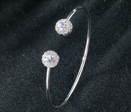 HIGH QUALITY RHODIUM PLATED LUXURY ADJUSTABLE BANGLE