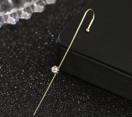 gold color ear pin stylish