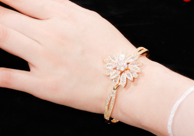 Lexception THE PALM Luxury Bangle