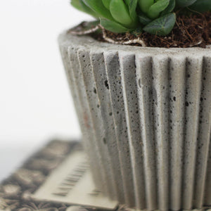 Concrete Crinkle Pot