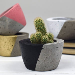 Small Diagonal Concrete Planter