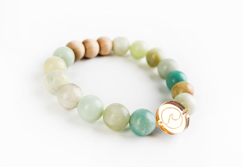 """Wave"" Gold Mirror Charm Oil-Diffuser Bracelet"