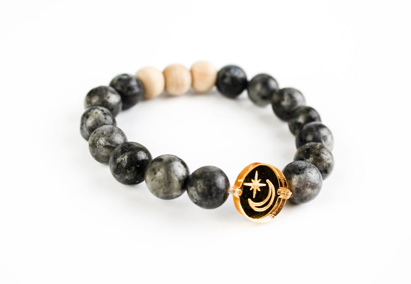 """Moon & Star"" Gold Mirror Charm Oil-Diffuser Bracelet"