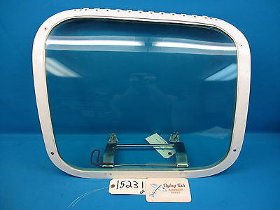 Beechcraft Baron 95-B55 Rear LH Emergency Door Window Hatch 35-410291-146 (15231