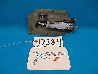 Cessna 182RG RH Cabin Door Latch Assembly Missing Handle P/N 1217049-10 (17384)