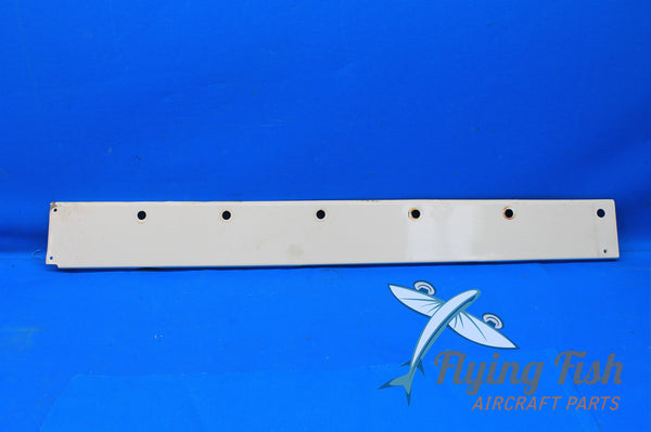 Cessna 172RG Right Wing Root Fairing P/N: 0520016-2 (20937)