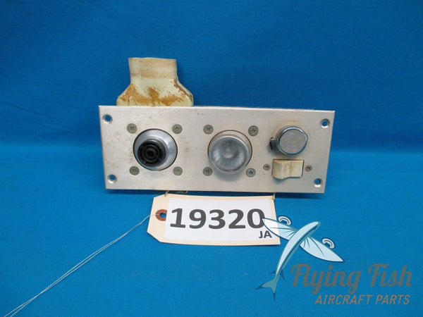 Cessna 401 Right Middle Overhead Air Vent & Light Panel 2375-25 S1158-2-1(19320)