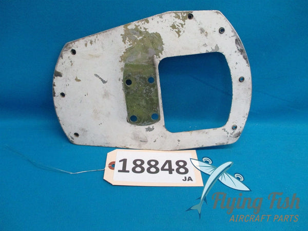 Cessna 172K Left Wheel Pant Fairing Mounting Plate Bracket (18848)
