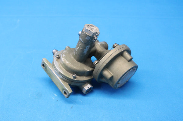 Garrett Right Turbo Controller P/N:C165002-0102 S/N:OHR0124 Cessna 402B (26360)