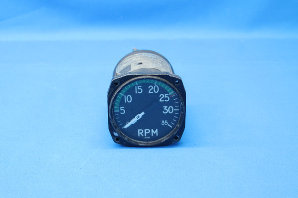 Consolidated Instrument Twin-Tachometer 57-4AW Piper PA-31-350 Navajo (26387)