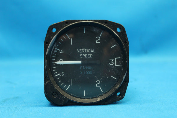 Cessna 402B United Instruments Vertical Speed Indicator P/N: C661035-0101 (26192)