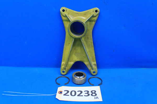 Piper Left Landing Gear Forward Trunnion Fitting PN 20757-00 PA-30 PA-24 (20238)