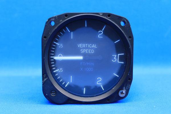 Cessna United Instruments Vertical Speed Indicator C661035-0101 , 7030 (20278)