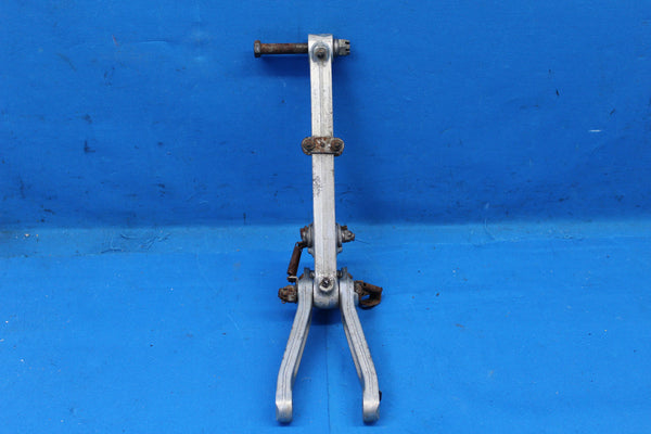 Piper Main Landing Gear Drag Brace Assembly P/N: 16188 (25421)