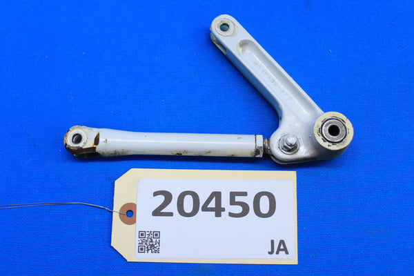 Cessna Adjusting Fork & Retract Arm 0842108-3 0842122-6 (20450)