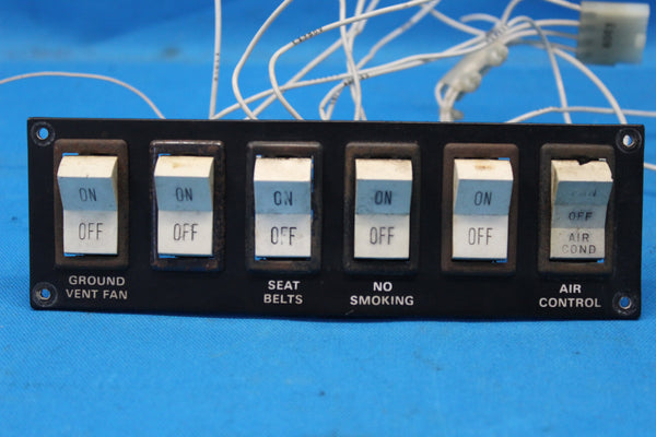 Piper PA-31-350 Circuit Breaker Switches P/N: 32370-09 (26985)