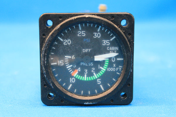 Cessna 414 Cabin Altitude Difference Indicator P/N: C668516-0101 (21519)