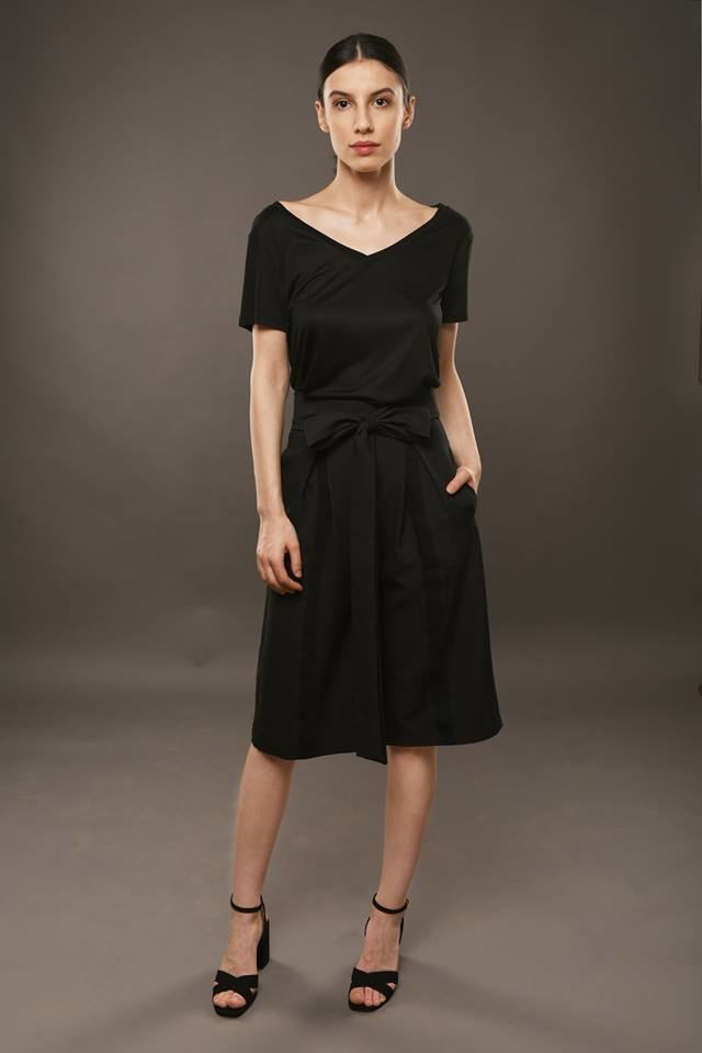 Black Culottes With Pleats And Pockets - S / Black - Trousers