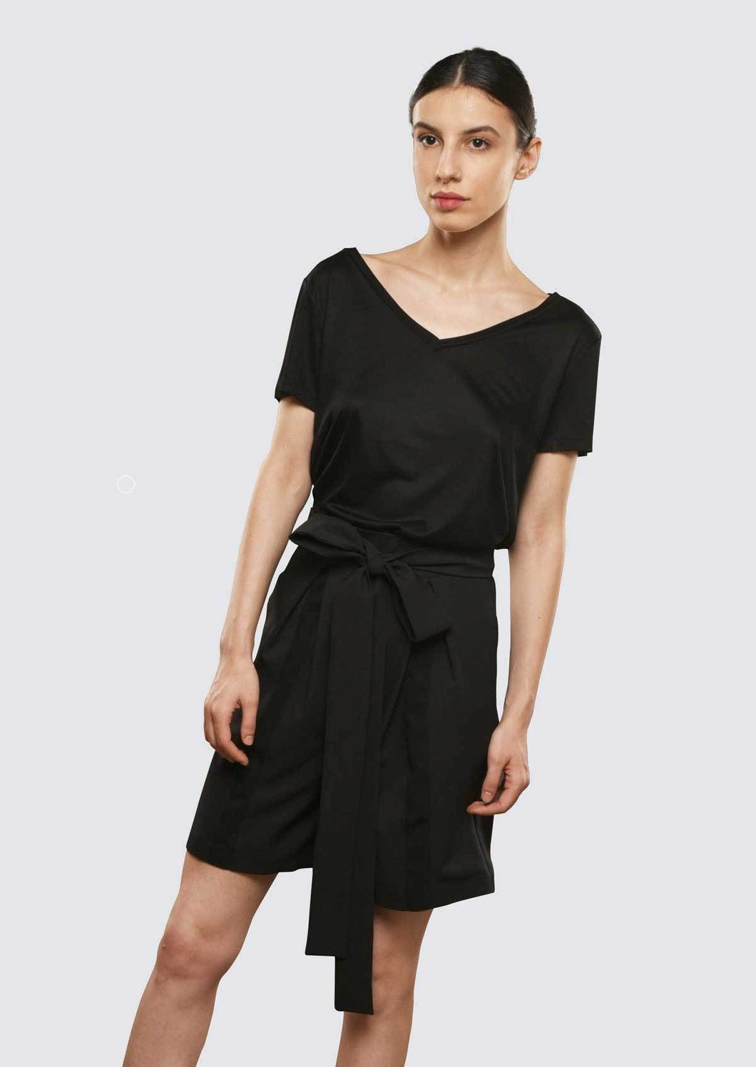 Black Culottes Shorts with Pleats and Pockets