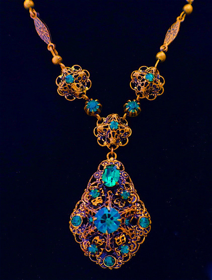women jewelry nl in fascinating necklace filigree gold with art necklaces white yellow for diamond yg deco