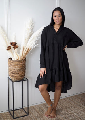 Sara linen dress black