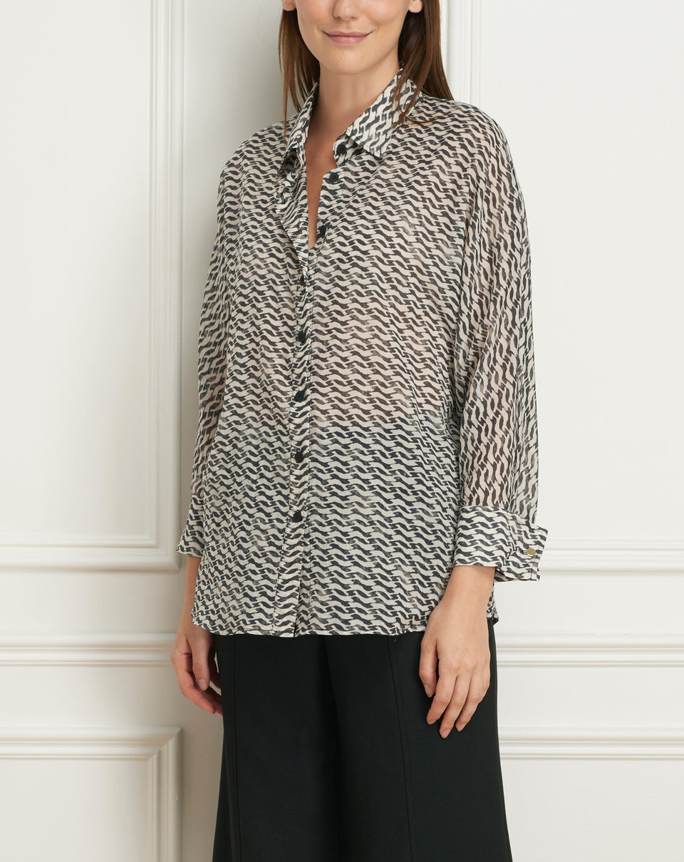 Printed shirt with dolman sleeves