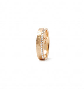 Yellow gold straight edge shoreline ring
