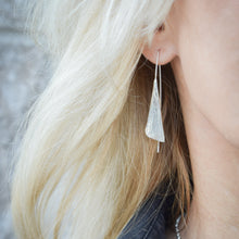 Load image into Gallery viewer, Ginkgo Earrings