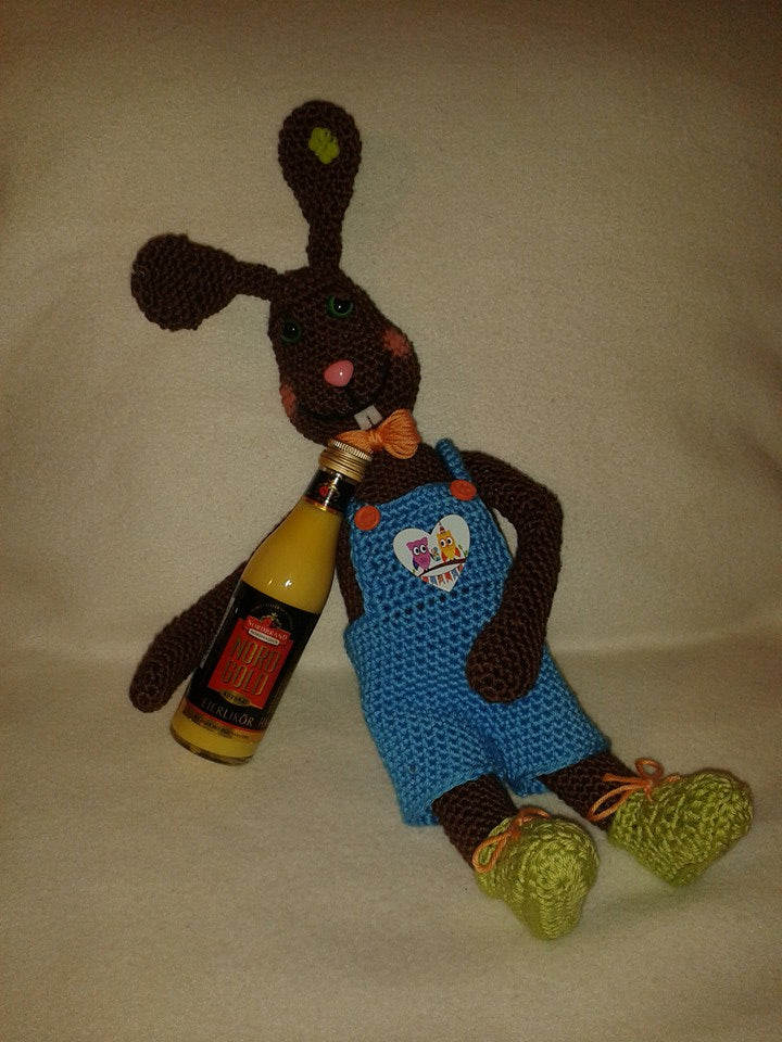 Hoppel the drunk easter bunny Crochet pattern from Puschis Häkelparadies Product picture at http://thepatternfactory.net