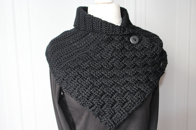 Product picture shawl collar with a basket pattern by Maschen mit Liebe at http://thepatternfactory.net