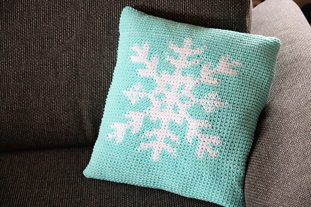 "Product picture pillow cover ""snowflake"" by Maschen mit Liebe at http://thepatternfactory.net"