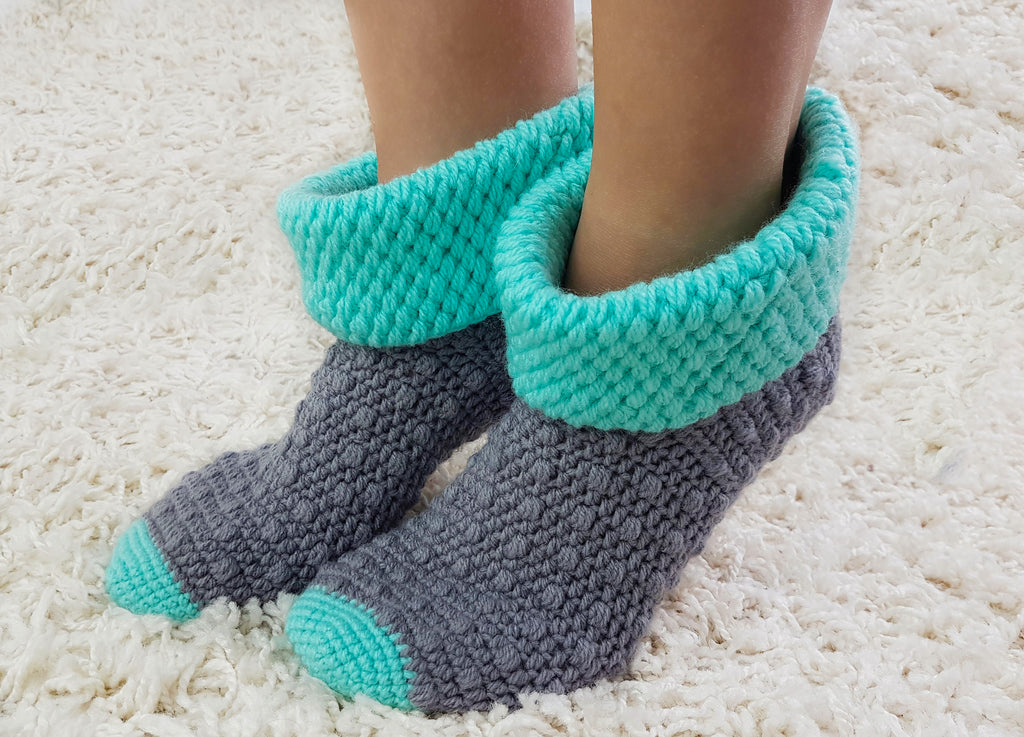 Product picture House Socks No. 5 - Crochet Pattern by LeaLeem at http://thepatternfactory.net