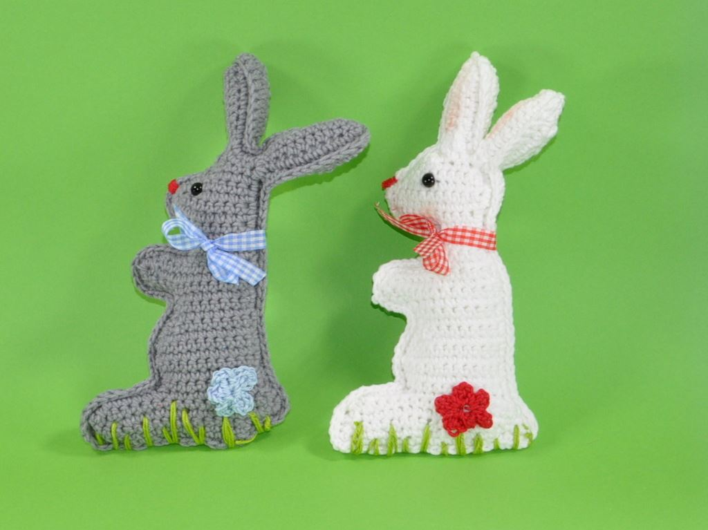 product picture crochet pattern Bunny for the little once by lucygurumi at http://thepatternfactory.net