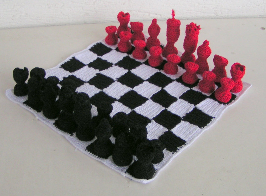 Product picture chess game of Lucygurumi on http://thepatternfactory.net