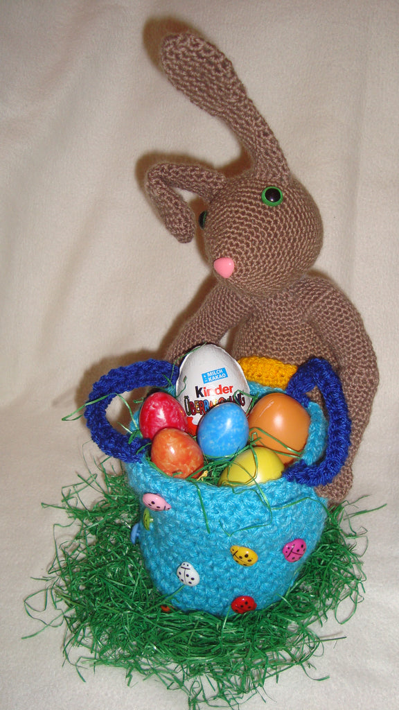easter bunny crochet pattern from Puschi´s Product picture on http://thepatternfactory.net