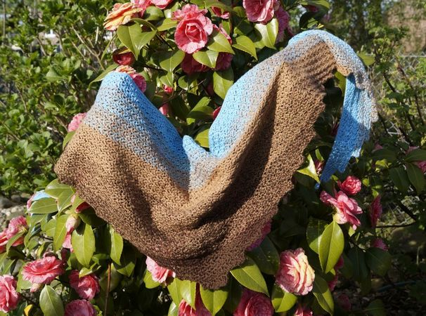 Product picture Crochet Pattern Triangle Scarf by LeaLeem at http://thepatternfactory.net