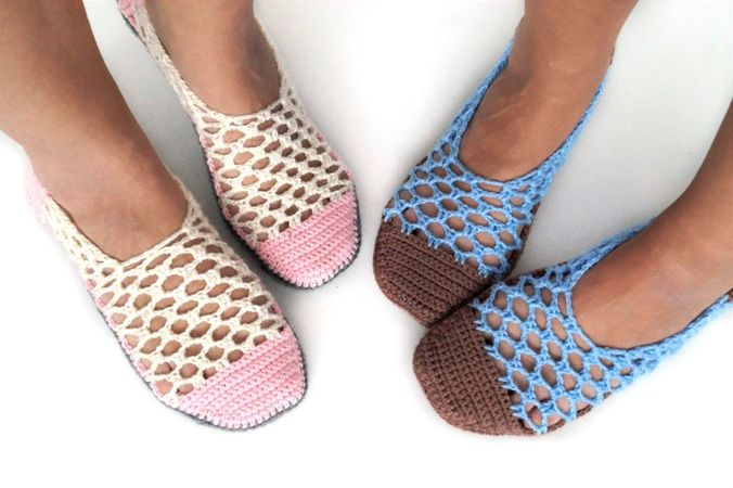 product picture Crochet pattern Home Shoes by LeaLeem at http://thepatternfactory.net