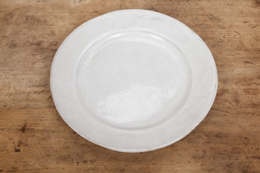One Astier de Villatte Sobre Collection Dinner Plate.