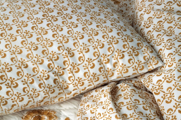 LES INDIENNES LATTICE DUVET COVER IN GOLD