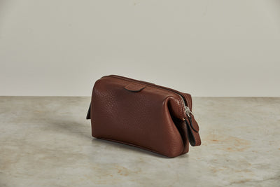 F. Hammann Tobacco Leather Toiletry Bag